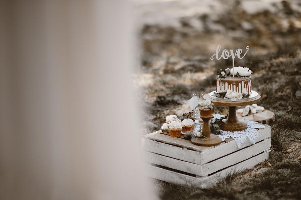 rustykalna-sesja-boho-pustynna-cisza-swietliste-fotografia-slubna-gdansk-zdjecia-slubne-torun (26)