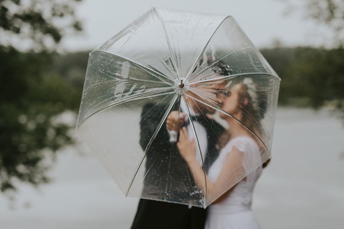 naturalna-sesja-slubna-boho-las-wianek-deszcz-swietliste-fotografia-slubna-bydgoszcz-zdjecia-slubne-torun-27