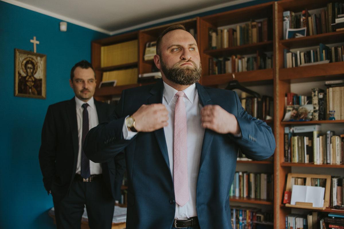 fotografia-slubna-bydgoszcz-swietliste-fotografujemy-emocje-zosia-michal-reportaz-slubny-wesele-dwór-hulanka-bydgoszcz-026