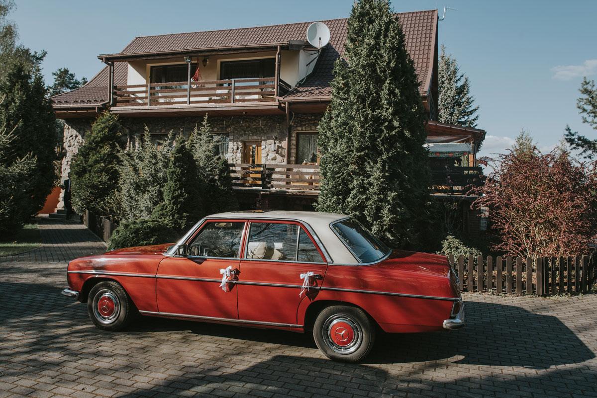 fotografia-slubna-bydgoszcz-swietliste-fotografujemy-emocje-zosia-michal-reportaz-slubny-wesele-dwór-hulanka-bydgoszcz-029
