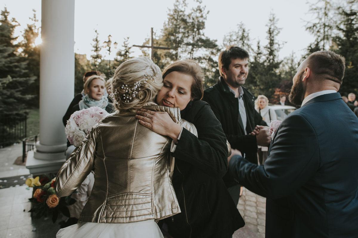 fotografia-slubna-bydgoszcz-swietliste-fotografujemy-emocje-zosia-michal-reportaz-slubny-wesele-dwór-hulanka-bydgoszcz-113