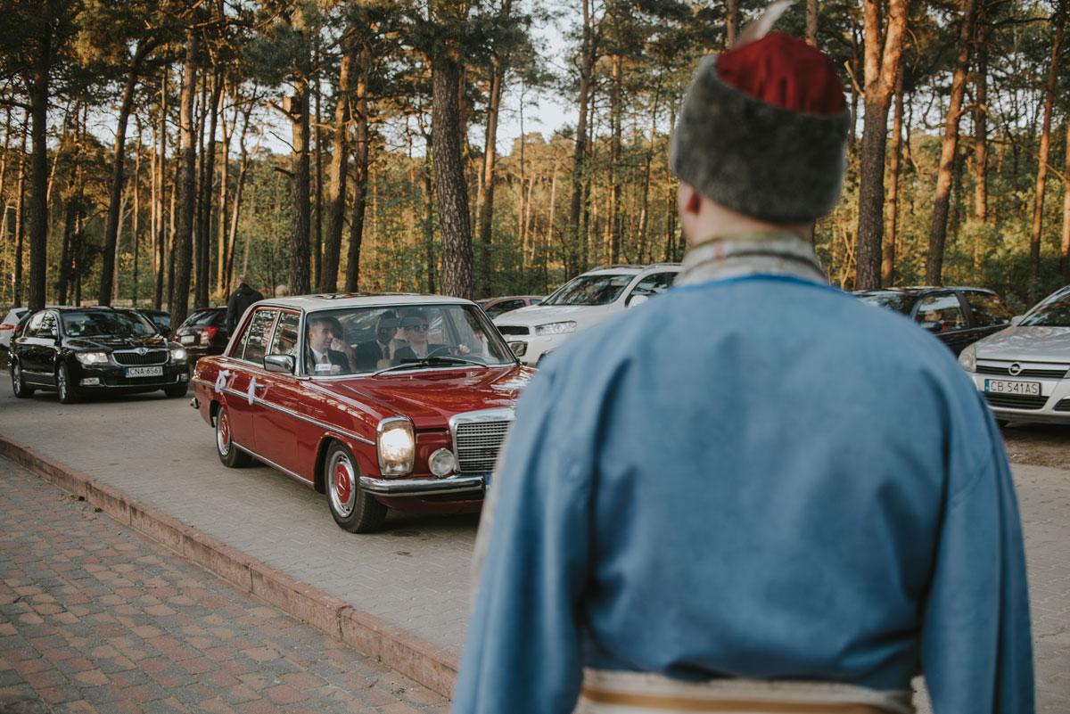 fotografia-slubna-bydgoszcz-swietliste-fotografujemy-emocje-zosia-michal-reportaz-slubny-wesele-dwór-hulanka-bydgoszcz-123