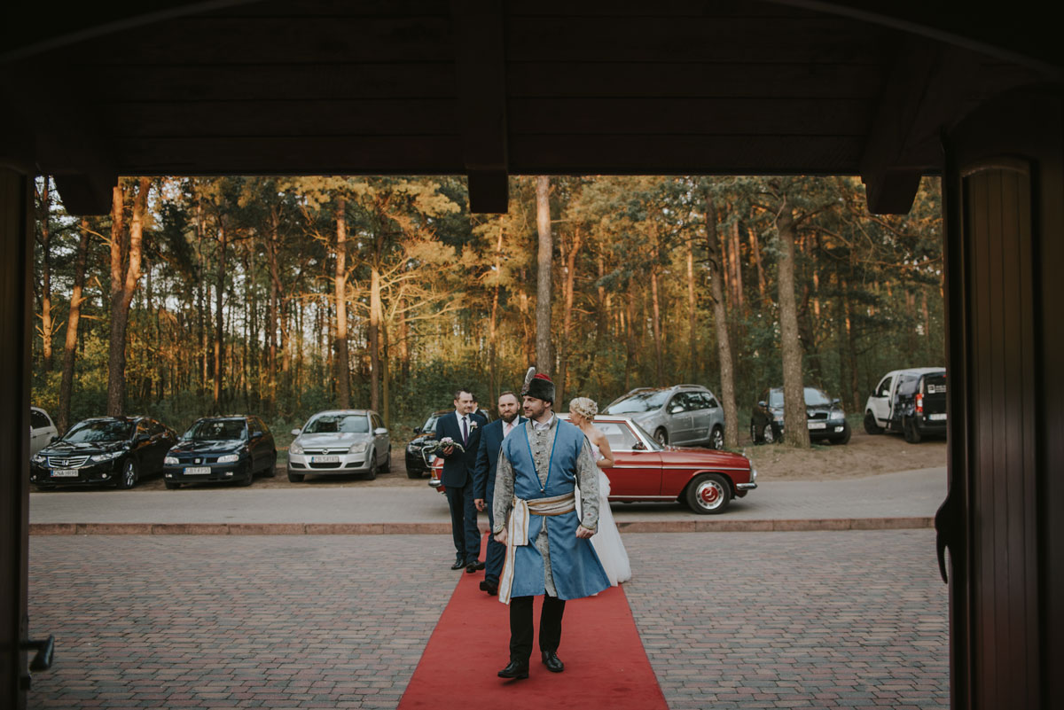 fotografia-slubna-bydgoszcz-swietliste-fotografujemy-emocje-zosia-michal-reportaz-slubny-wesele-dwór-hulanka-bydgoszcz-133
