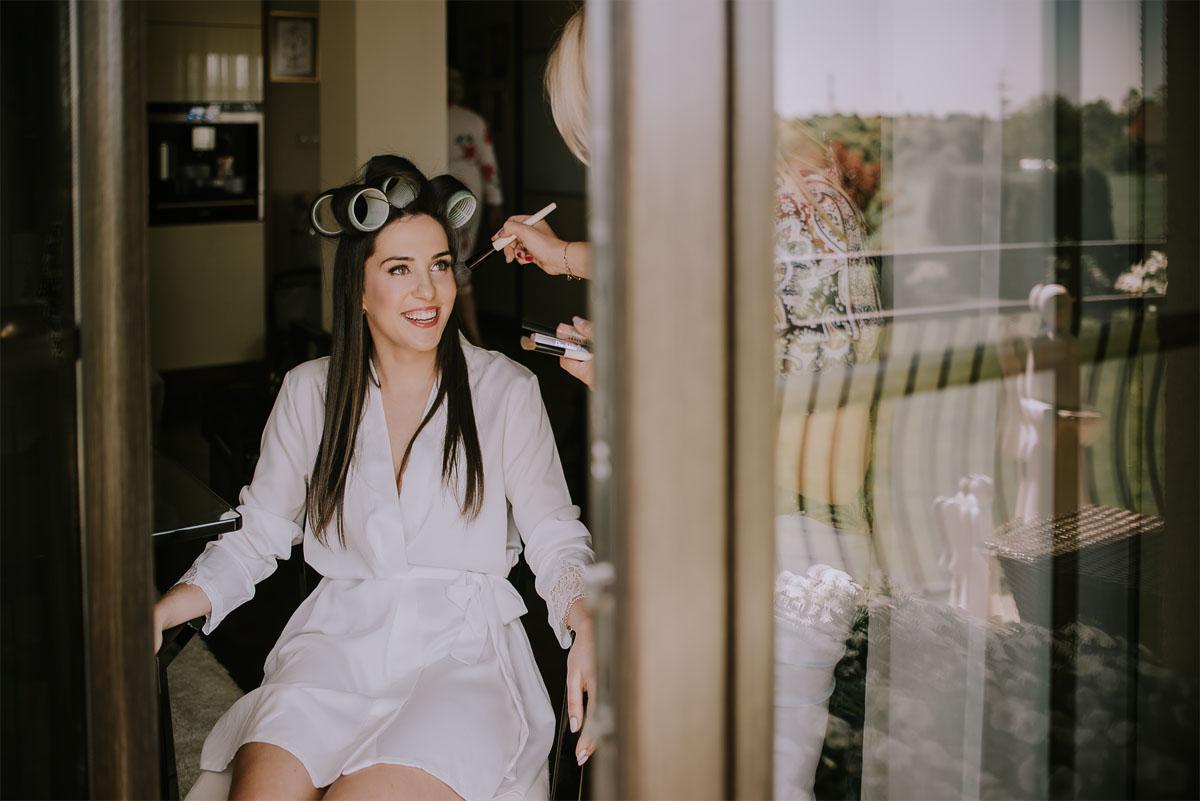 Reportaz-slubny-Bydgoszcz-Kosciol-NMP-Wspomozycielki-Wiernych-Niemcz-fotografia-slubna-Swietliste-fotografujemy-emocje-Torun-Hotel-Palac-Myslecinek-Paulina-Radek-007