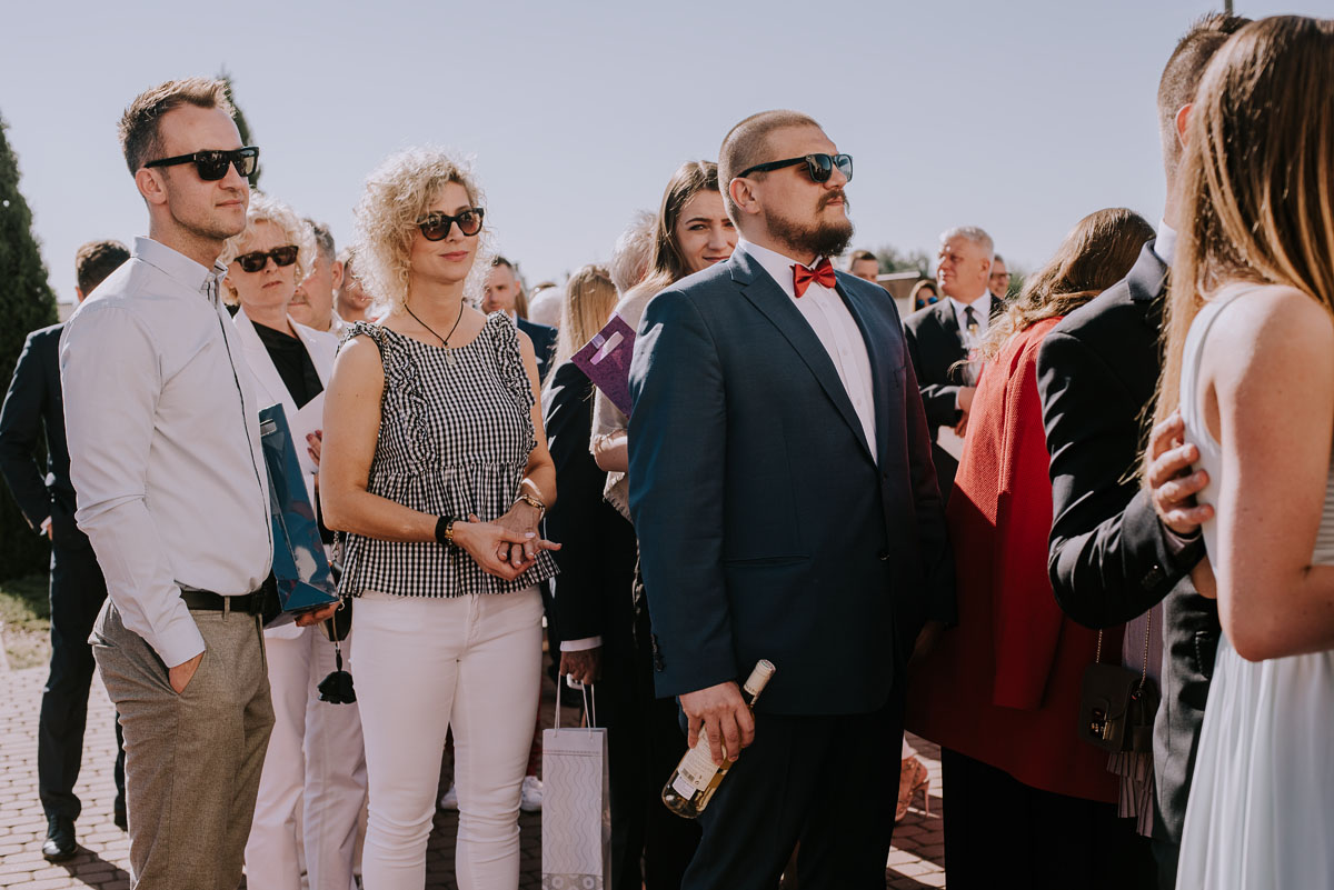 Reportaz-slubny-Bydgoszcz-Kosciol-NMP-Wspomozycielki-Wiernych-Niemcz-fotografia-slubna-Swietliste-fotografujemy-emocje-Torun-Hotel-Palac-Myslecinek-Paulina-Radek-086