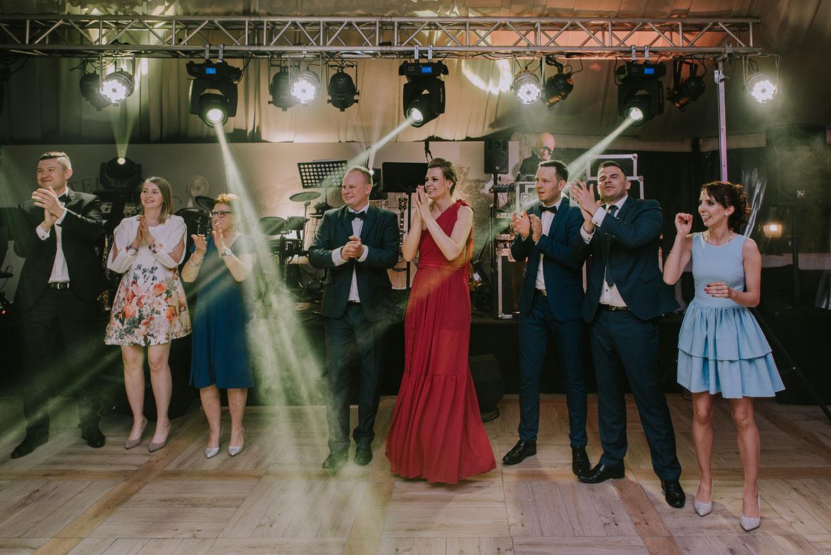 Reportaz-slubny-Bydgoszcz-Kosciol-NMP-Wspomozycielki-Wiernych-Niemcz-fotografia-slubna-Swietliste-fotografujemy-emocje-Torun-Hotel-Palac-Myslecinek-Paulina-Radek-165