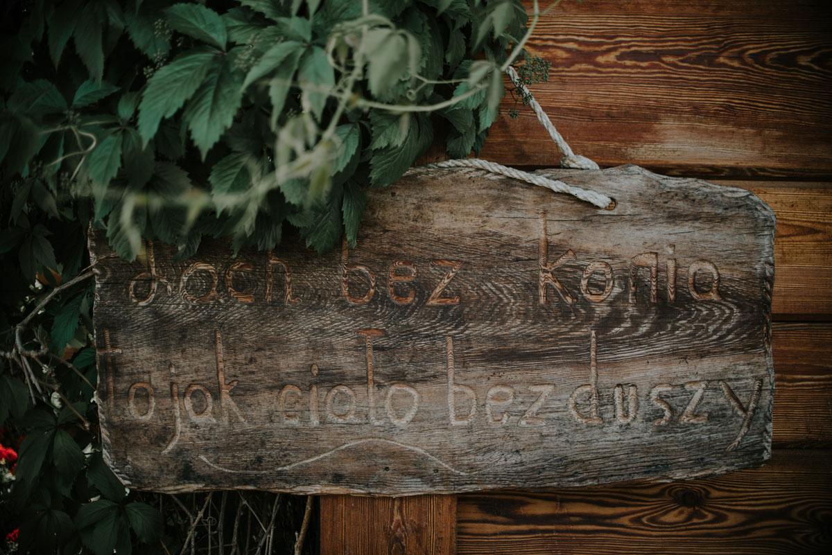 fotografia-slubna-bydgoszcz-swietliste-fotografujemy-emocje-ada-tomek-reportaz-slubny-wesele-dwór-hulanka-bydgoszcz-004