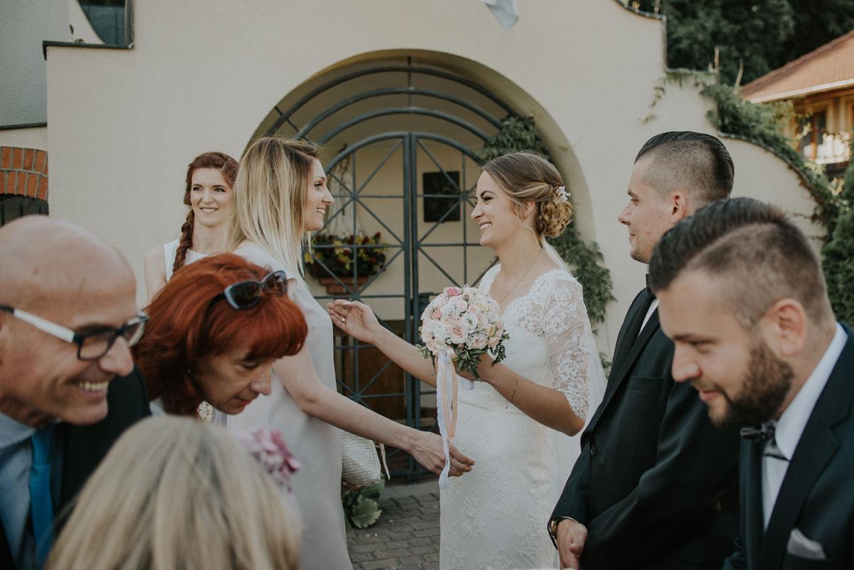 fotografia-slubna-bydgoszcz-swietliste-fotografujemy-emocje-ada-tomek-reportaz-slubny-wesele-dwór-hulanka-bydgoszcz-107