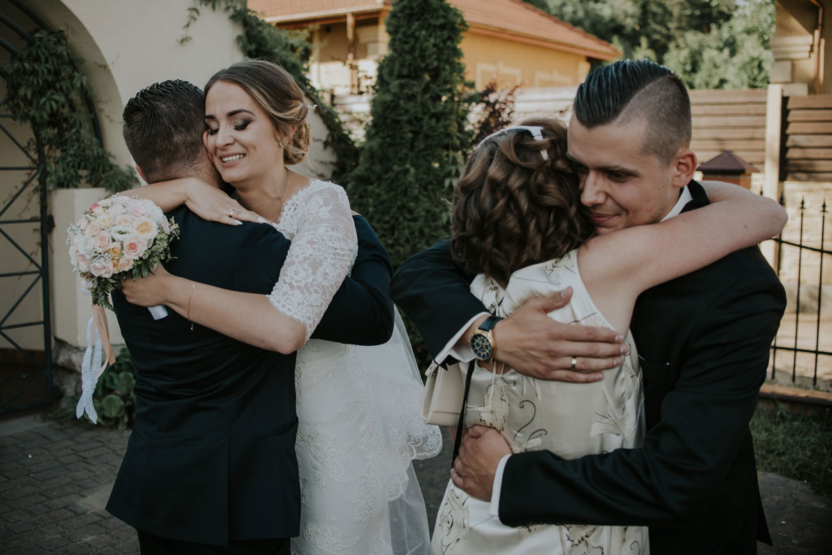 fotografia-slubna-bydgoszcz-swietliste-fotografujemy-emocje-ada-tomek-reportaz-slubny-wesele-dwór-hulanka-bydgoszcz-115