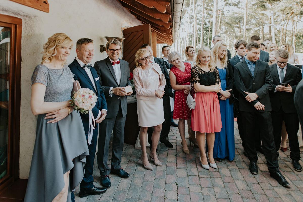 fotografia-slubna-bydgoszcz-swietliste-fotografujemy-emocje-ada-tomek-reportaz-slubny-wesele-dwór-hulanka-bydgoszcz-136