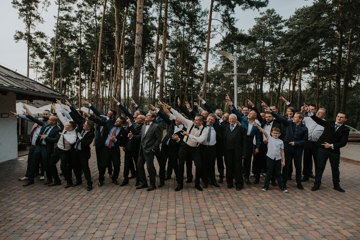 fotografia-slubna-bydgoszcz-swietliste-fotografujemy-emocje-ada-tomek-reportaz-slubny-wesele-dwór-hulanka-bydgoszcz-171