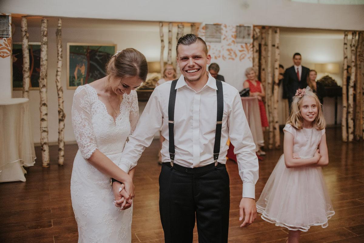 fotografia-slubna-bydgoszcz-swietliste-fotografujemy-emocje-ada-tomek-reportaz-slubny-wesele-dwór-hulanka-bydgoszcz-243