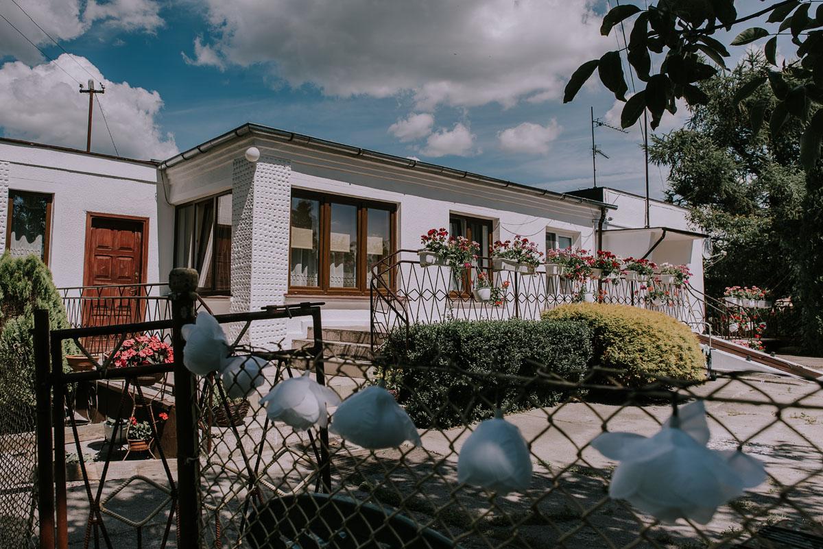 Fotografia-slubna-Bydgoszcz-Swietliste-fotografujemy-emocje-Kosciol-Michala-Archaniola-Wtelno-Stary-Mlyn-Wierzchucice-Joanna-Dawid-003