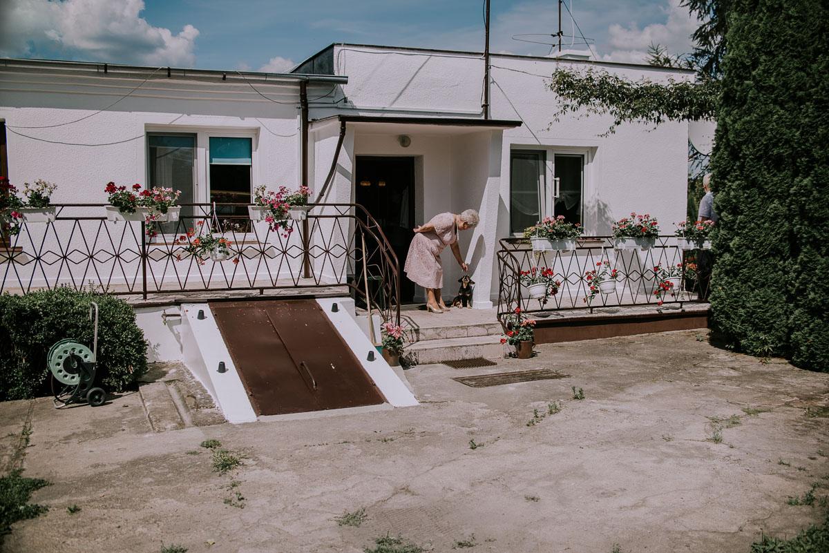 Fotografia-slubna-Bydgoszcz-Swietliste-fotografujemy-emocje-Kosciol-Michala-Archaniola-Wtelno-Stary-Mlyn-Wierzchucice-Joanna-Dawid-025