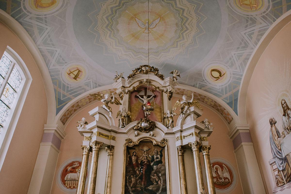 Fotografia-slubna-Bydgoszcz-Swietliste-fotografujemy-emocje-Kosciol-Michala-Archaniola-Wtelno-Stary-Mlyn-Wierzchucice-Joanna-Dawid-060