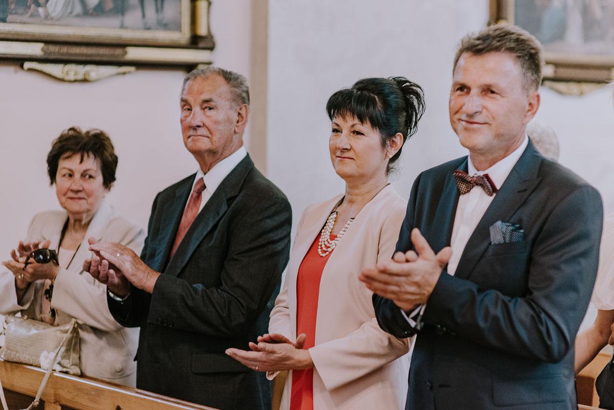 Fotografia-slubna-Bydgoszcz-Swietliste-fotografujemy-emocje-Kosciol-Michala-Archaniola-Wtelno-Stary-Mlyn-Wierzchucice-Joanna-Dawid-069