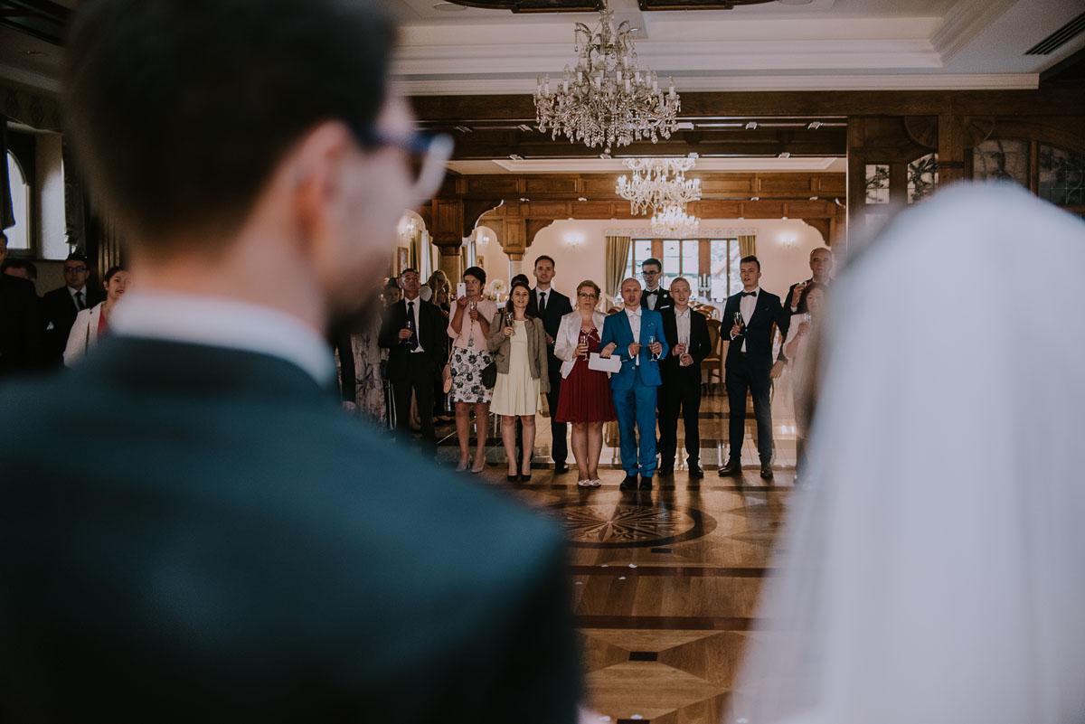 reportaż ślubny, wesele pałac Poledno, kosciół Andrzeja Boboli Świecie, Świetliste.pl - fotografujemy emocje