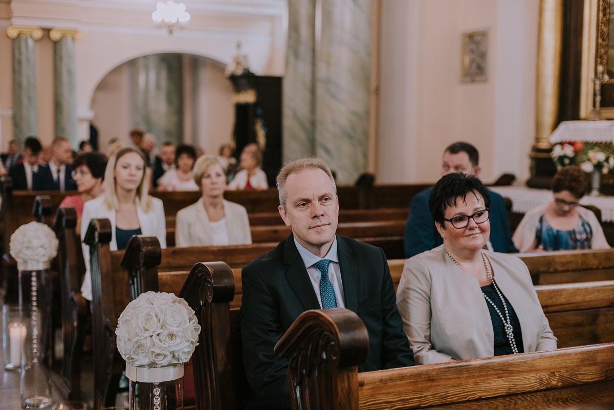 fotografia-slubna-Bydgoszcz-Swietliste-historie-fotografujemy-emocje-Kosciol-Sw-Mikolaja-Restauracja-Maestra-Opera-NOVA-Ania-Piotr-052