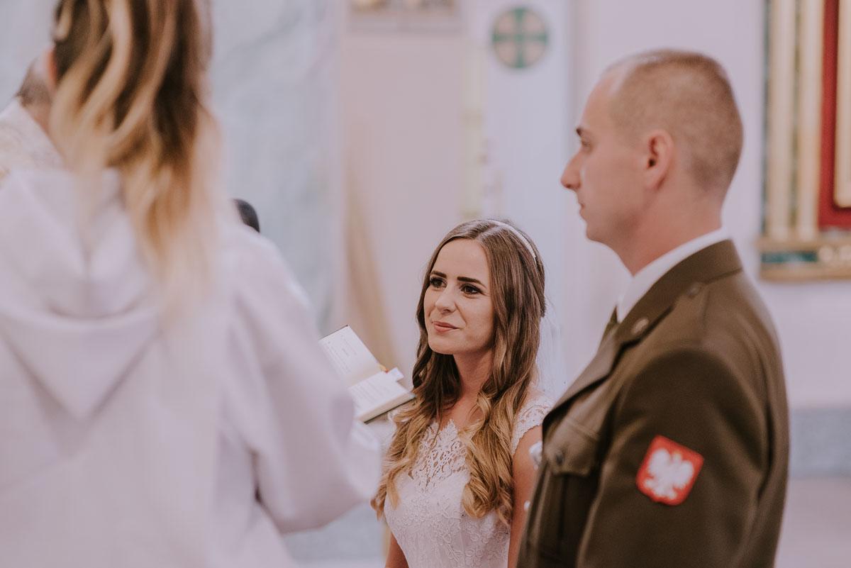 fotografia-slubna-Bydgoszcz-Swietliste-historie-fotografujemy-emocje-Kosciol-Sw-Mikolaja-Restauracja-Maestra-Opera-NOVA-Ania-Piotr-057