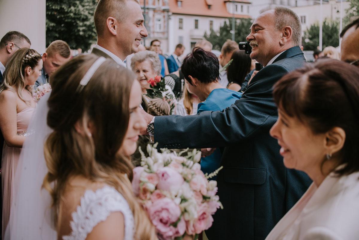 fotografia-slubna-Bydgoszcz-Swietliste-historie-fotografujemy-emocje-Kosciol-Sw-Mikolaja-Restauracja-Maestra-Opera-NOVA-Ania-Piotr-086