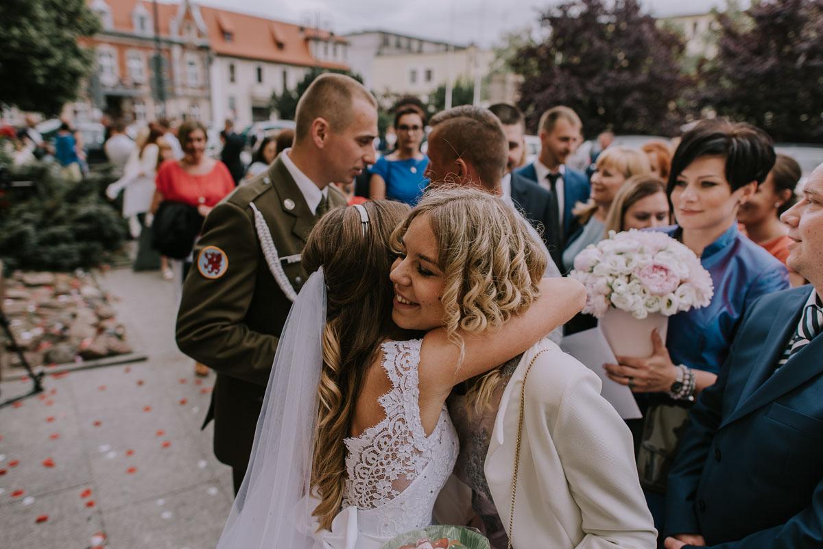fotografia-slubna-Bydgoszcz-Swietliste-historie-fotografujemy-emocje-Kosciol-Sw-Mikolaja-Restauracja-Maestra-Opera-NOVA-Ania-Piotr-094