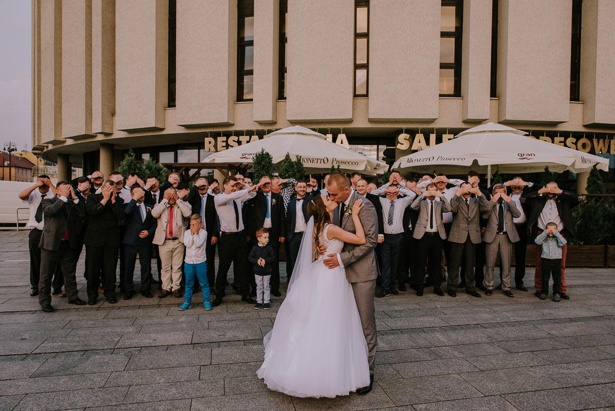 fotografia-slubna-Bydgoszcz-Swietliste-historie-fotografujemy-emocje-Kosciol-Sw-Mikolaja-Restauracja-Maestra-Opera-NOVA-Ania-Piotr-133