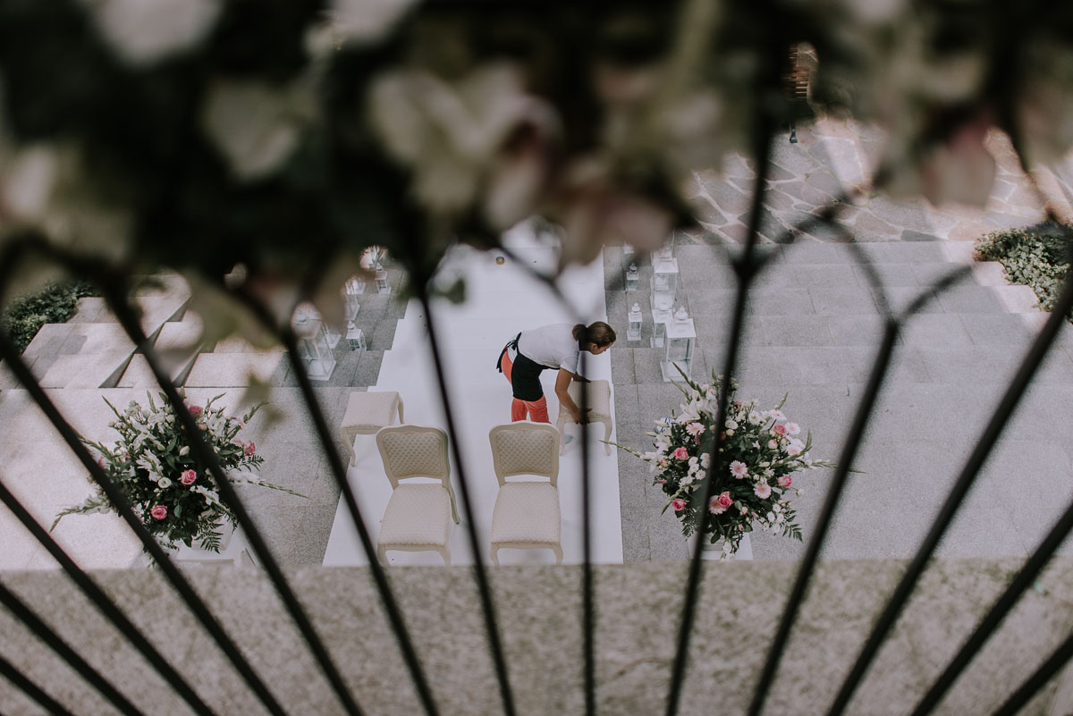 elegancki-slub-koscielny-plenerze-glamour-palac-romantyczny-turzno-fotografia-slubna-Swietliste-fotografujemy-emocje-Torun-reportaz-slubny-Ewa-Jakub-006