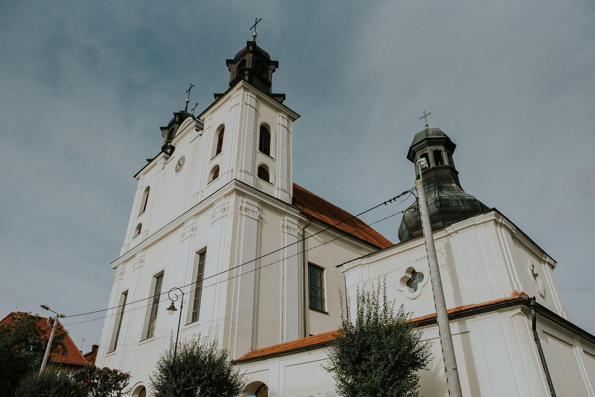 fotografia-slubna-Poznan-swietliste-reportaz-slubny-Marcelina-Jacek-Kcynia-kosciol-Wniebowziecia-Najswietszej-Maryi-Panny-Wesele-Dwor-Hulanka-Bydgoszcz-040