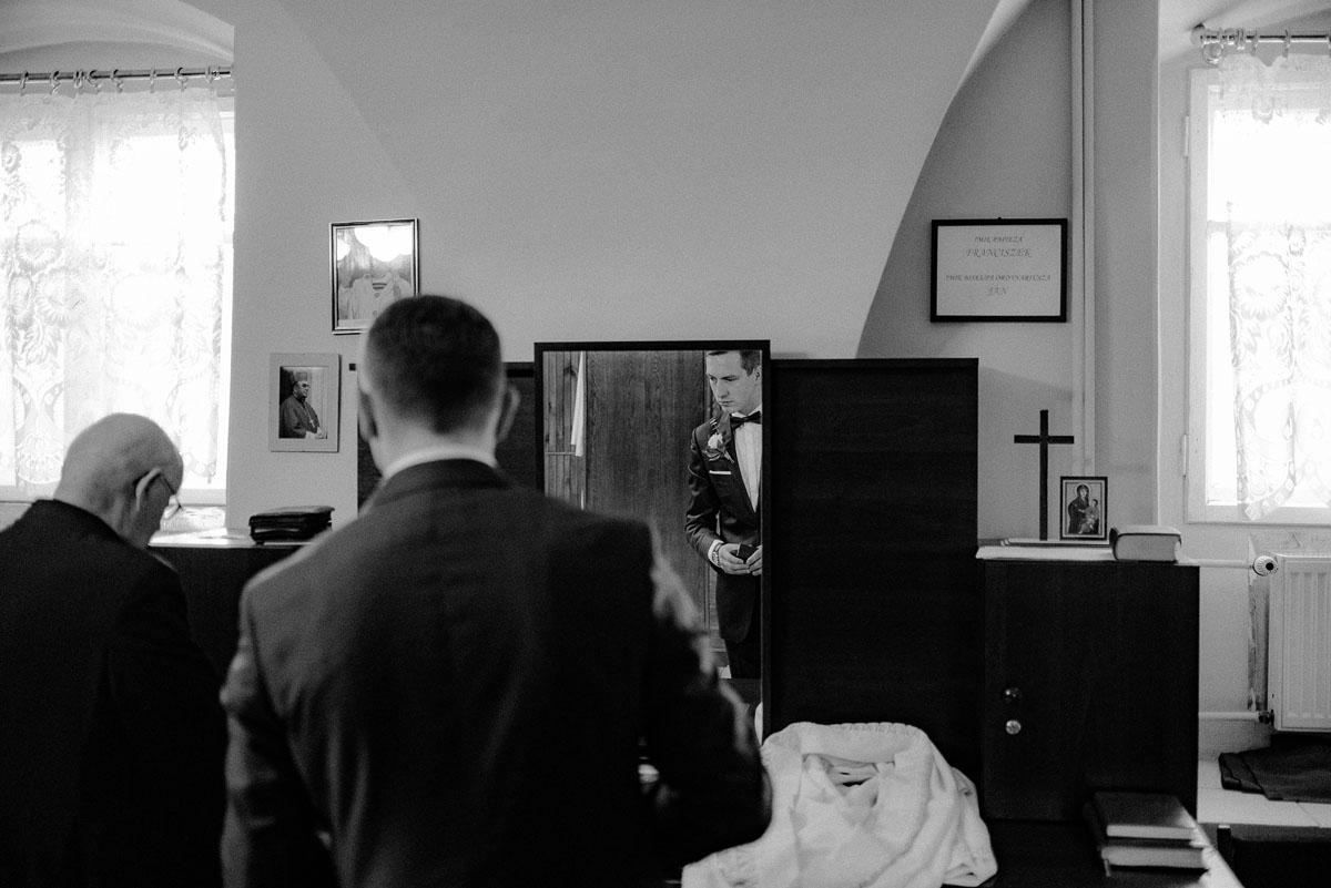 fotografia-slubna-Poznan-swietliste-reportaz-slubny-Marcelina-Jacek-Kcynia-kosciol-Wniebowziecia-Najswietszej-Maryi-Panny-Wesele-Dwor-Hulanka-Bydgoszcz-044