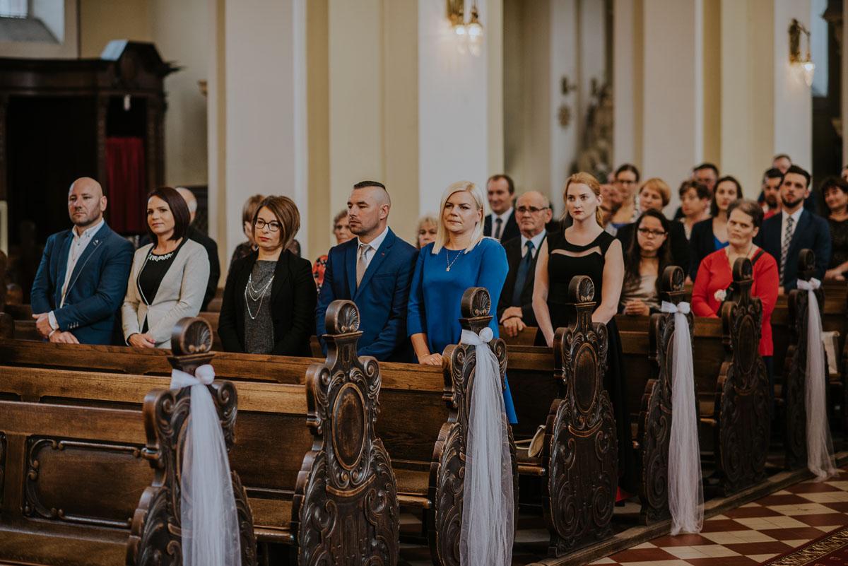 reportaz-slubny-Magda-Kamil-kosciol-sw-Trojcy-Bydgoszcz-wesele-Cukiernia-Sowa-035