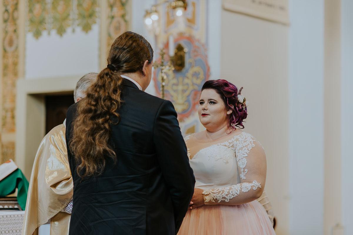 reportaz-slubny-Magda-Kamil-kosciol-sw-Trojcy-Bydgoszcz-wesele-Cukiernia-Sowa-039