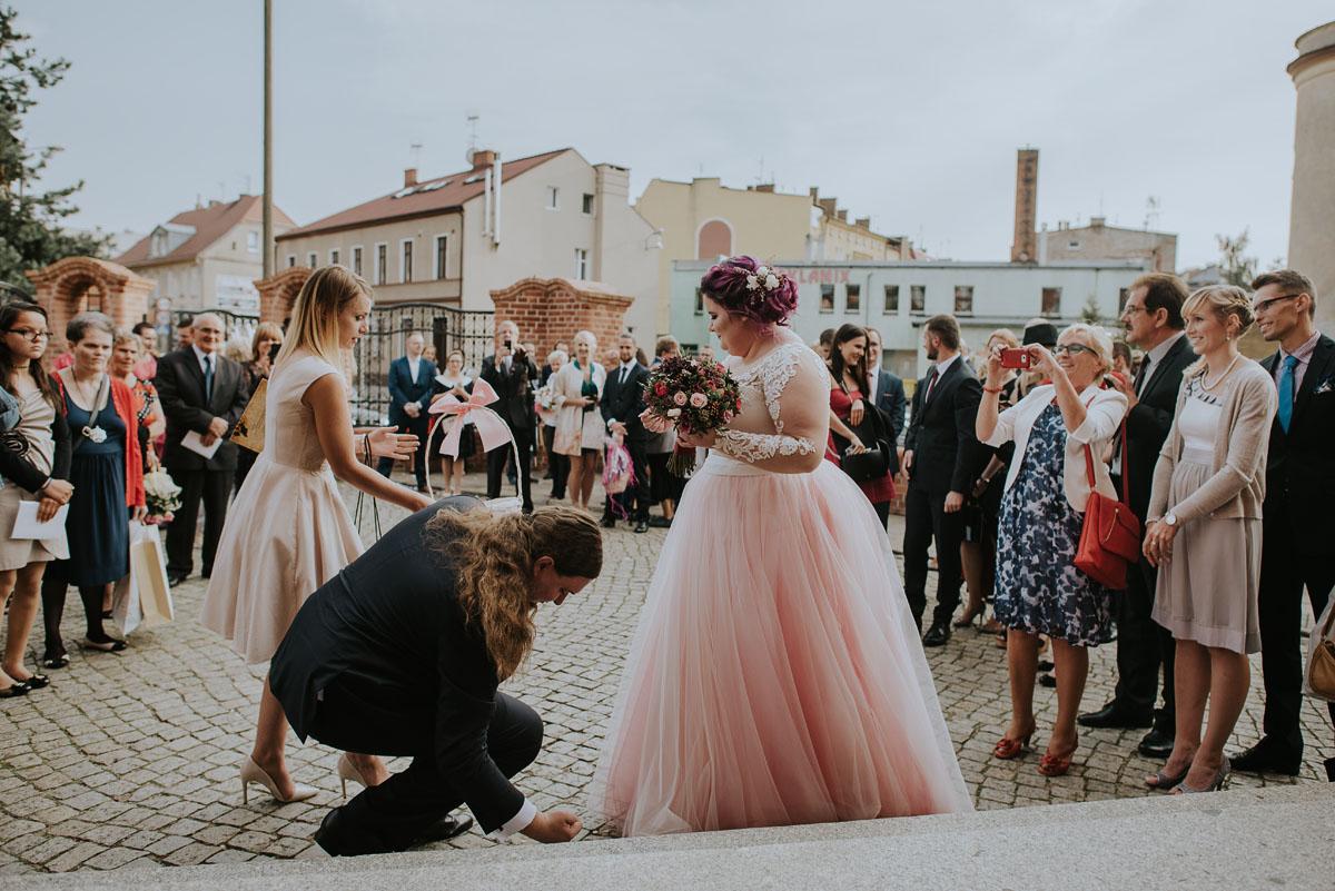 reportaz-slubny-Magda-Kamil-kosciol-sw-Trojcy-Bydgoszcz-wesele-Cukiernia-Sowa-069