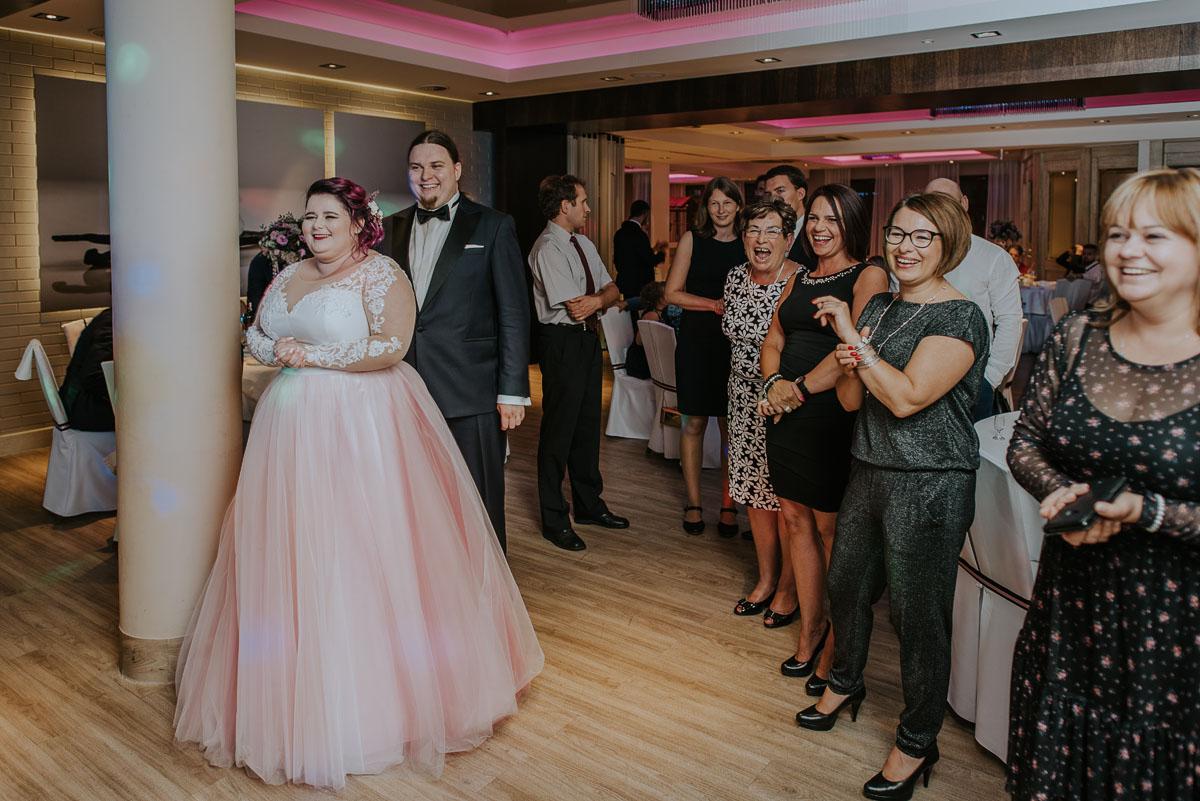 reportaz-slubny-Magda-Kamil-kosciol-sw-Trojcy-Bydgoszcz-wesele-Cukiernia-Sowa-121
