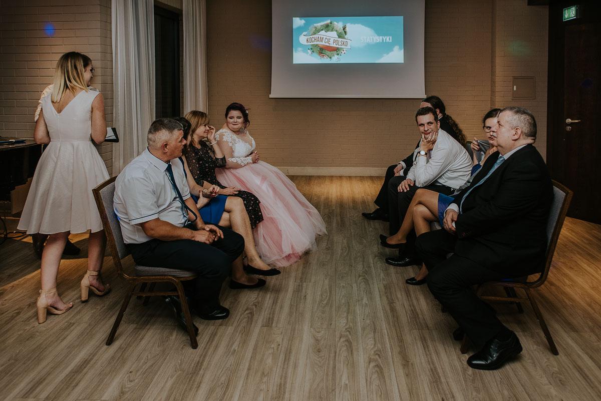 reportaz-slubny-Magda-Kamil-kosciol-sw-Trojcy-Bydgoszcz-wesele-Cukiernia-Sowa-135