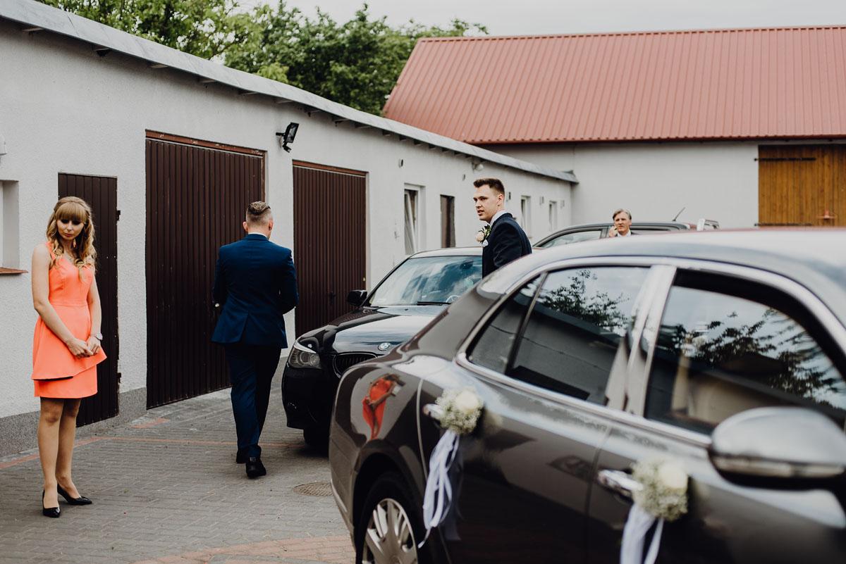 Reportaz-slubny-Anna-Filip-Swietliste-fotografia-slubna-Bydgoszcz-parafia-swietego-Wacława-Grabiu-Dwor-Biesiadny-Zakrzewo-034