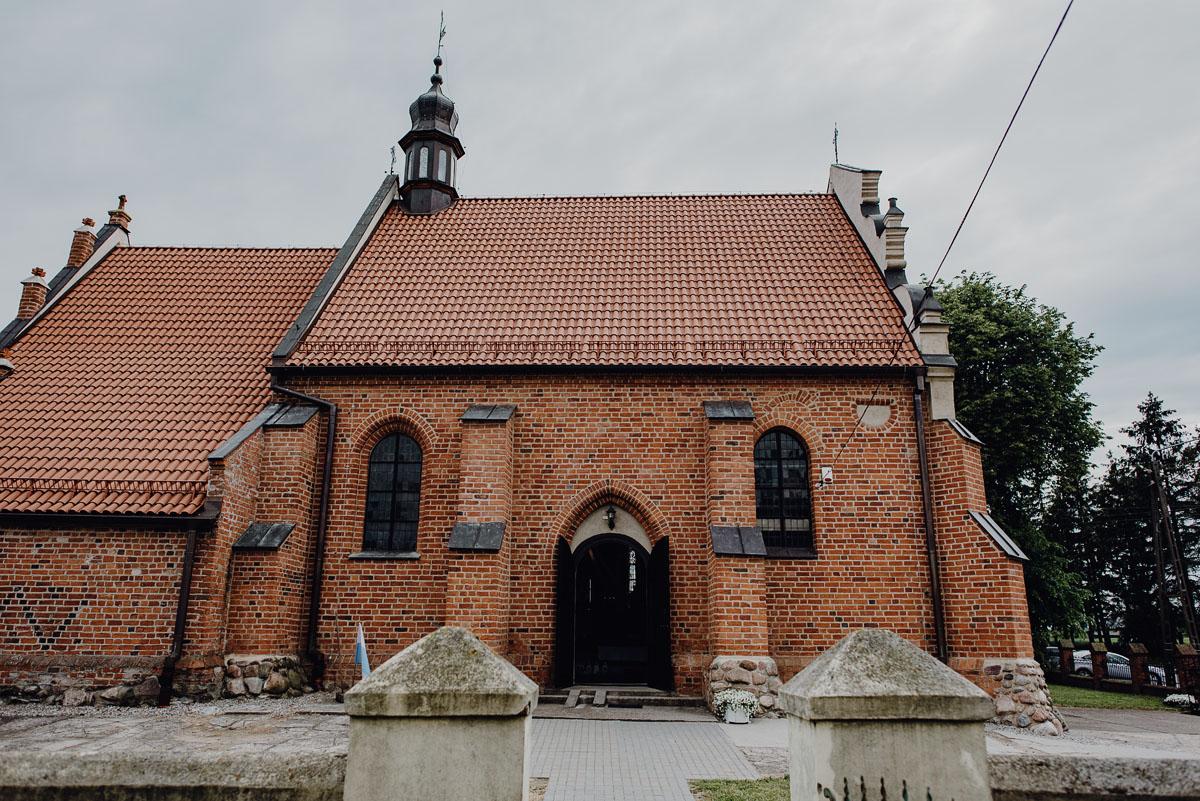 Reportaz-slubny-Anna-Filip-Swietliste-fotografia-slubna-Bydgoszcz-parafia-swietego-Wacława-Grabiu-Dwor-Biesiadny-Zakrzewo-036