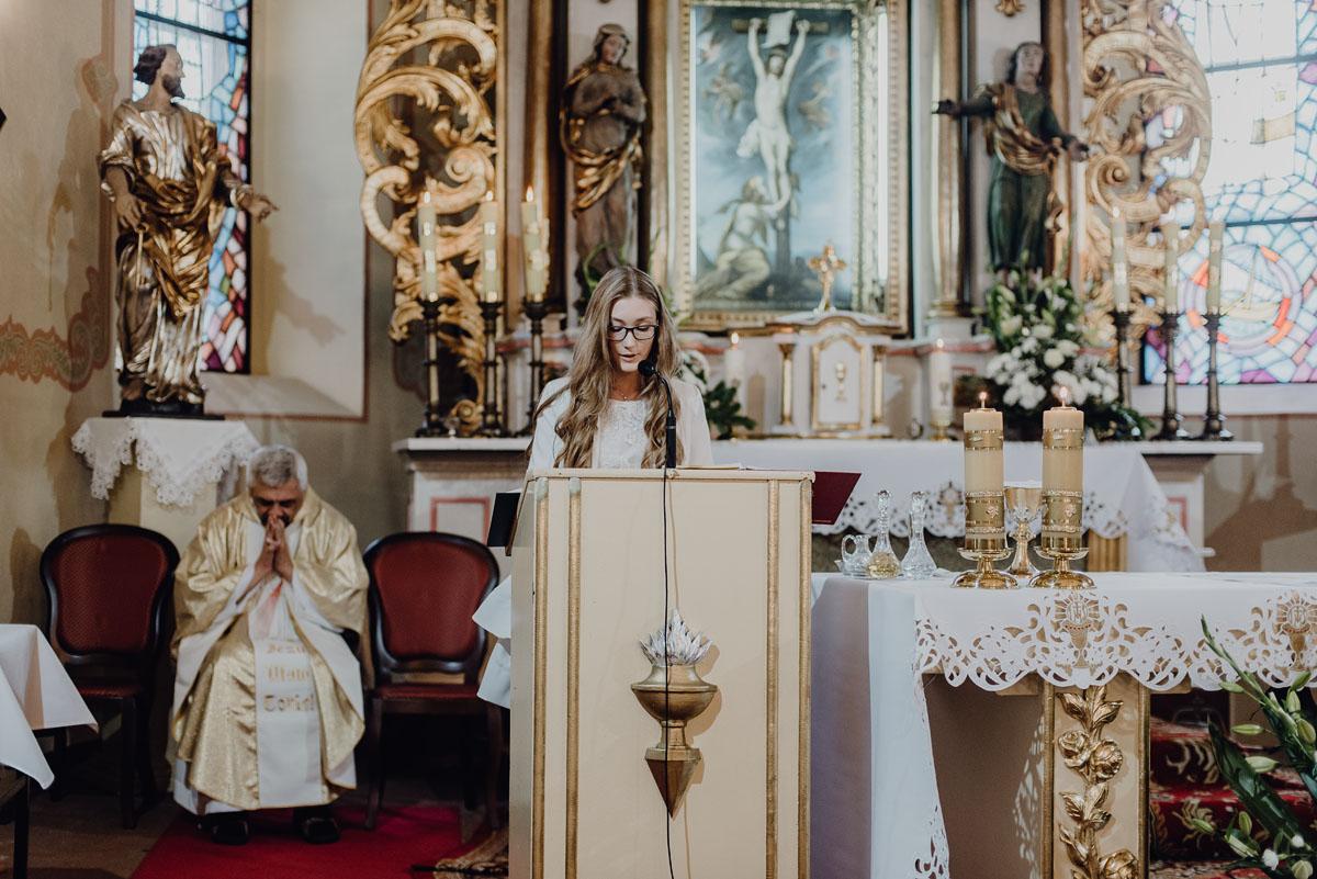 Reportaz-slubny-Anna-Filip-Swietliste-fotografia-slubna-Bydgoszcz-parafia-swietego-Wacława-Grabiu-Dwor-Biesiadny-Zakrzewo-046
