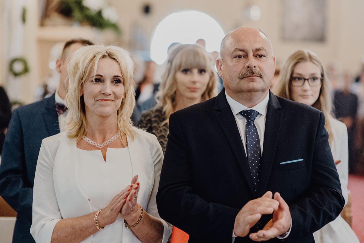 Reportaz-slubny-Anna-Filip-Swietliste-fotografia-slubna-Bydgoszcz-parafia-swietego-Wacława-Grabiu-Dwor-Biesiadny-Zakrzewo-068