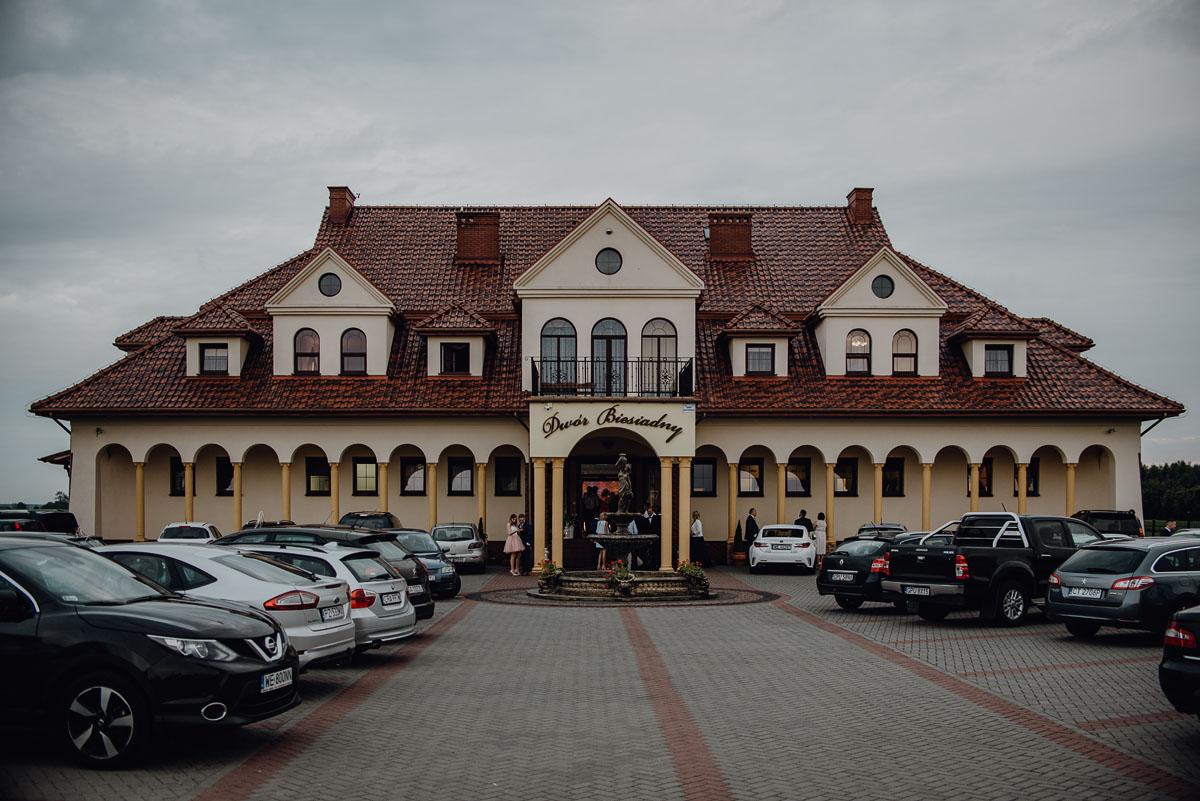 Reportaz-slubny-Anna-Filip-Swietliste-fotografia-slubna-Bydgoszcz-parafia-swietego-Wacława-Grabiu-Dwor-Biesiadny-Zakrzewo-086