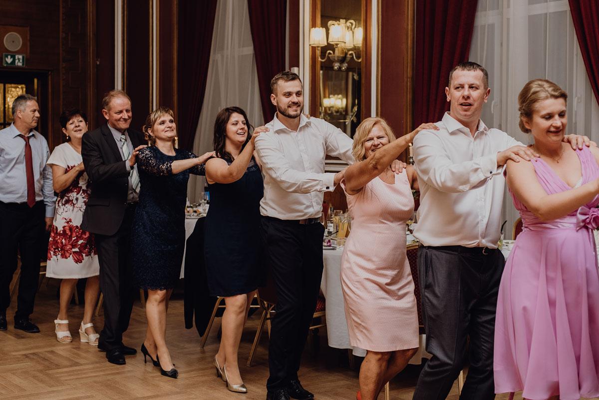 Swietliste-fotografia-slubna-Bydgoszcz-Kosciol-Garnizonowy-hotel-Pod-Orlem-Ania-Lukasz-fotografujemy-emocje-139