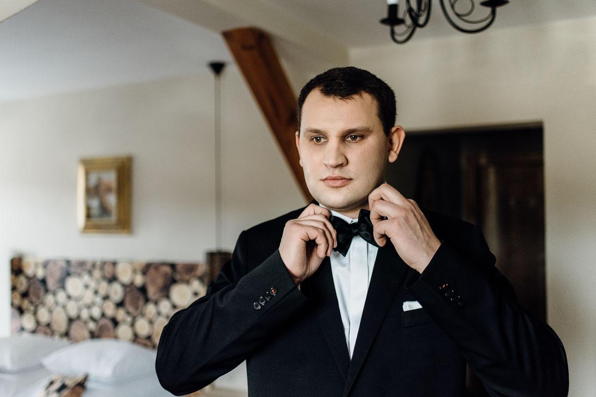 zimowy-reportaz-slubny-dwor-Hulanka-kosciol-sw-Antoniego-z-Padwy-Swietliste-fotografujemy-emocje-Bydgoszcz-009