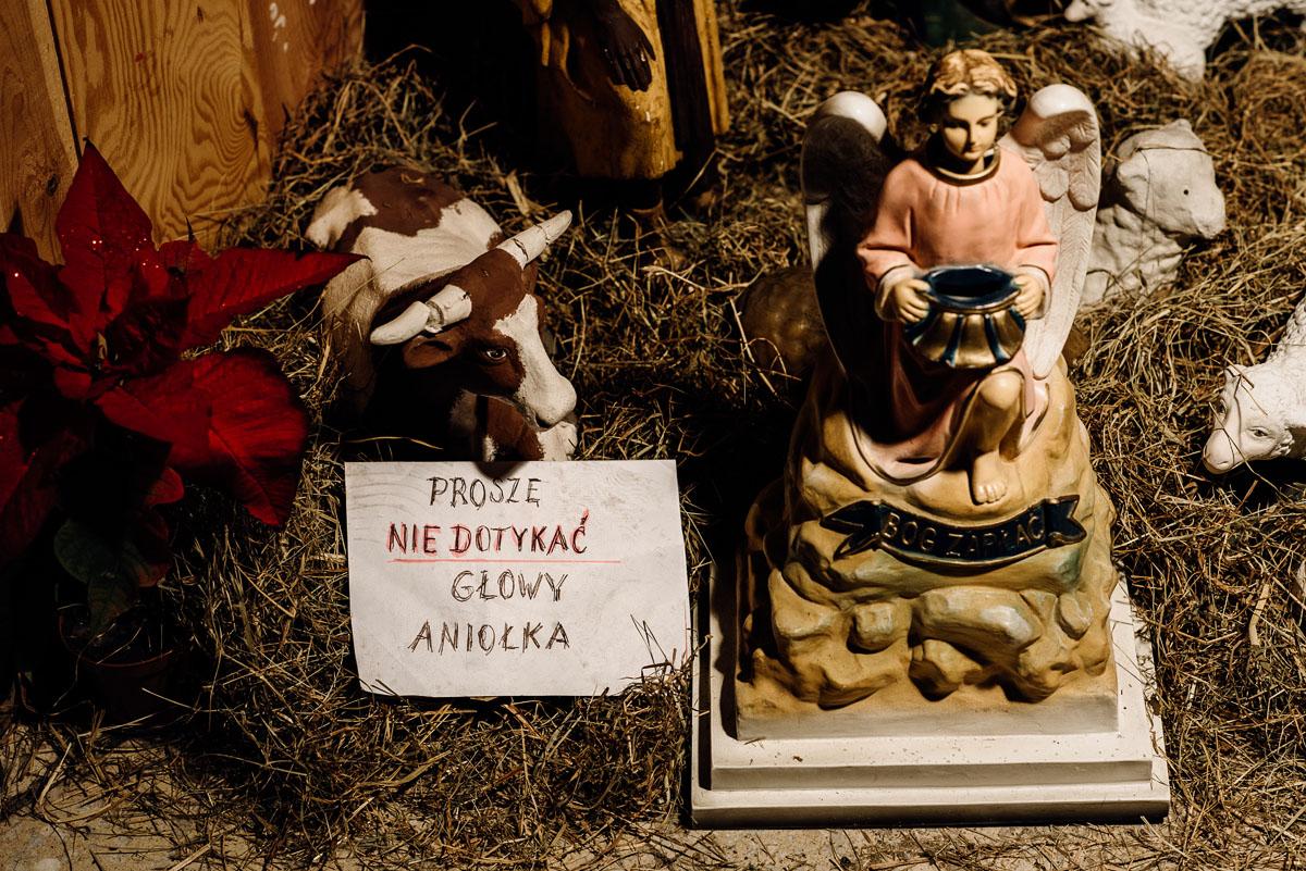 zimowy-reportaz-slubny-dwor-Hulanka-kosciol-sw-Antoniego-z-Padwy-Swietliste-fotografujemy-emocje-Bydgoszcz-041