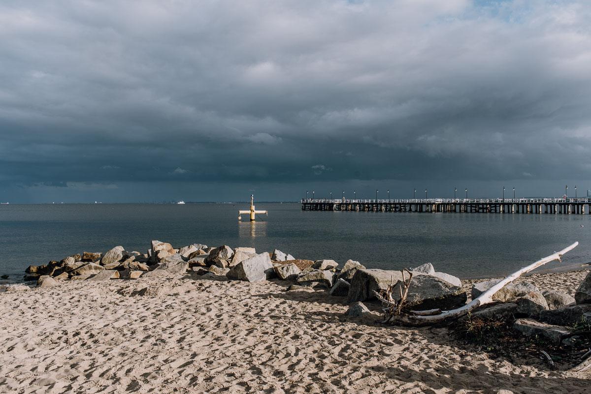 fotografia-slubna-Gdynia-Swietliste-fotografujemy-emocje-sesja-plenerowa-klif-Orlowo-Natalia-Przemek-029
