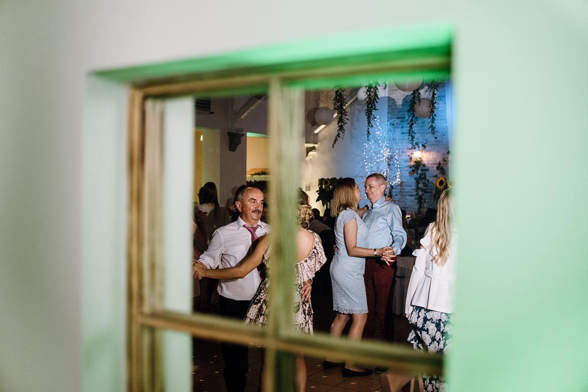 slub-slowianski-swarozyca-reportaz-slubny-wesele-stary-folwark-grebocin-fotografia-slubna-torun-swietliste-fotografujemy-emocje-pola-daniel-124