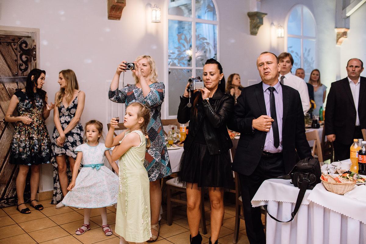slub-slowianski-swarozyca-reportaz-slubny-wesele-stary-folwark-grebocin-fotografia-slubna-torun-swietliste-fotografujemy-emocje-pola-daniel-128