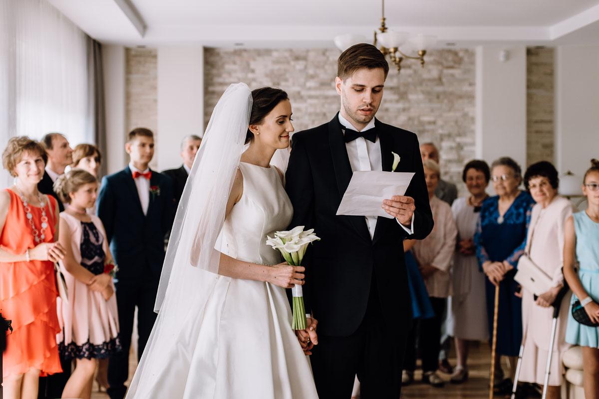 Swietliste-fotografia-slubna-Bydgoszcz-kosciol-sw-Mateusza-Apostola-Badkowo-Hotel-Amazonka-Ciechocinek-Natalia-Przemek-036