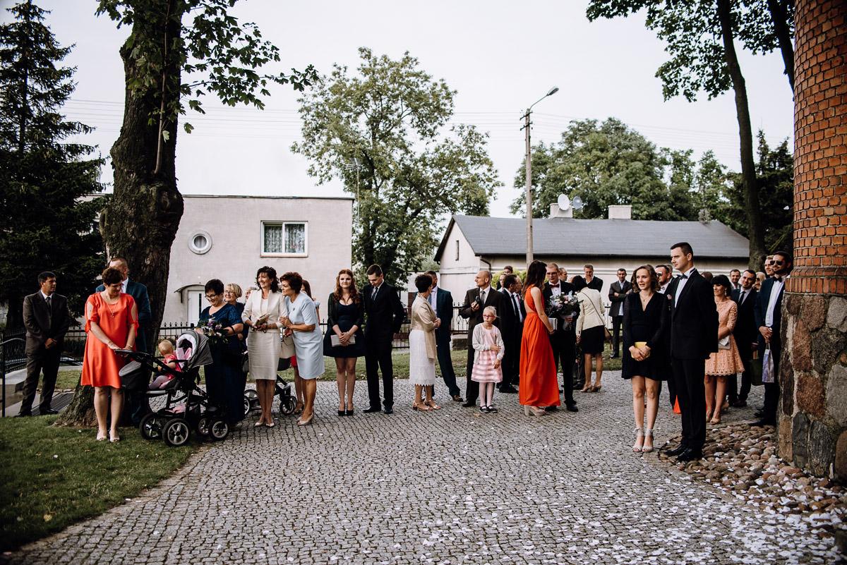 Swietliste-fotografia-slubna-Bydgoszcz-kosciol-sw-Mateusza-Apostola-Badkowo-Hotel-Amazonka-Ciechocinek-Natalia-Przemek-053
