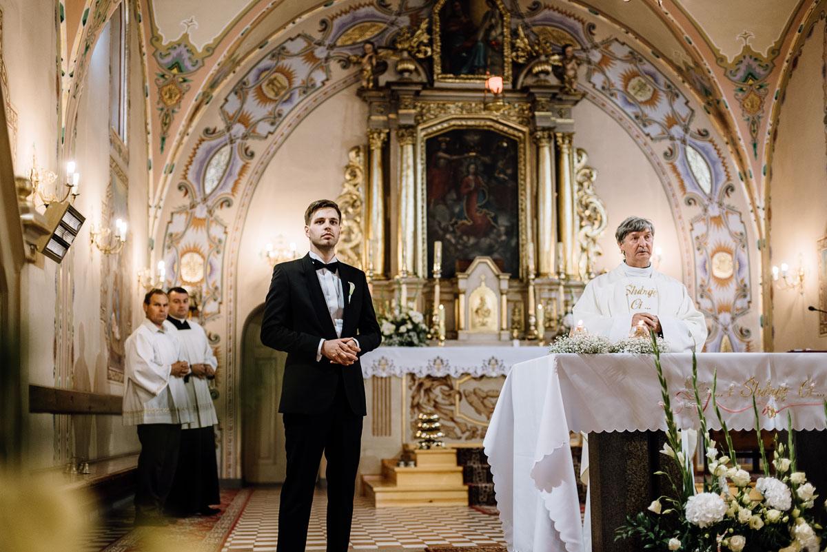 Swietliste-fotografia-slubna-Bydgoszcz-kosciol-sw-Mateusza-Apostola-Badkowo-Hotel-Amazonka-Ciechocinek-Natalia-Przemek-058