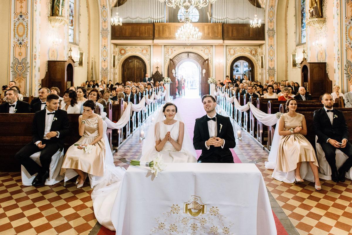 Swietliste-fotografia-slubna-Bydgoszcz-kosciol-sw-Mateusza-Apostola-Badkowo-Hotel-Amazonka-Ciechocinek-Natalia-Przemek-099