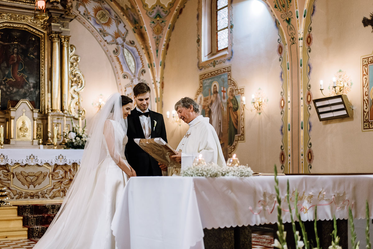 Swietliste-fotografia-slubna-Bydgoszcz-kosciol-sw-Mateusza-Apostola-Badkowo-Hotel-Amazonka-Ciechocinek-Natalia-Przemek-102